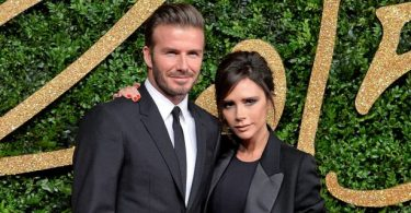 David-si-Victoria-Beckham-si-au-reinnoit-juramintele-iata-ce-tineri-si-frumosi-erau-la-cununia-de-acum-17-ani